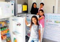 Холодильники с бесплатной едой установлены в Дубае