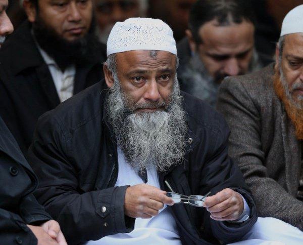 На строительство культового сооружения доктор Аль-Саттар намерен потратить все свои сбережения и деньги, откладывавшиеся на счета его детей
