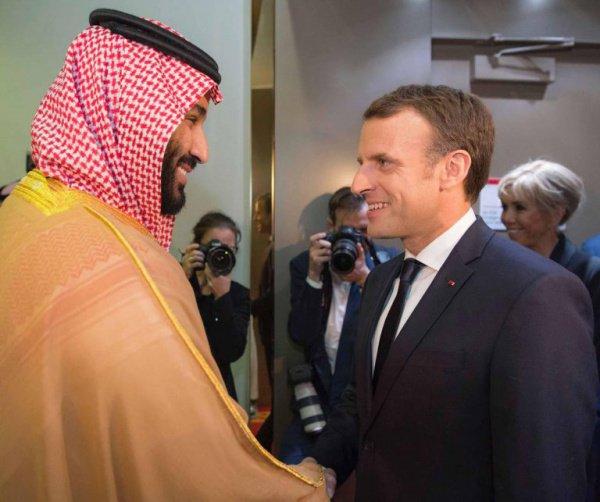 Лидеры Франции и Саудовской Аравии провели телефонную беседу.