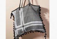 Пляжная сумка из «арафатки» возмутила мусульман