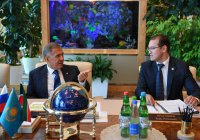 Минниханов договорился о сотрудничестве с Генконсулом Казахстана