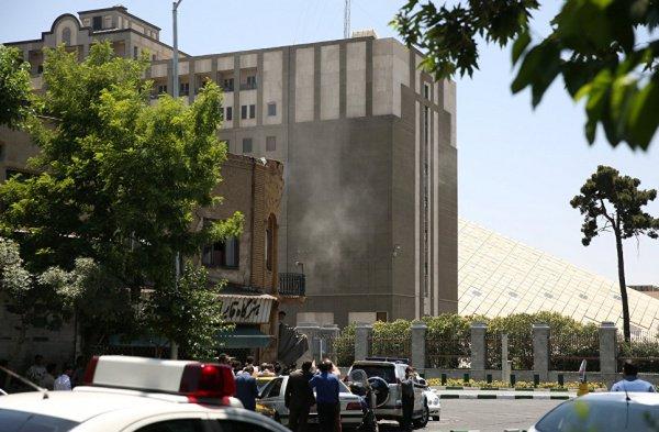 Одной из целей террористов ИГИЛ стал парламент Ирана.