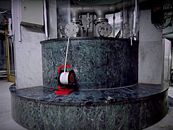 Кадр из фильма: Zam-Zam: Blessed Water (2018). (c) DAR NASAH