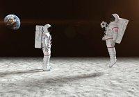 Космонавты провели футбольную тренировку в невесомости (ВИДЕО)
