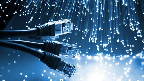 По словам специалиста, в настоящее время ведется активная работа по внедрению технологии 5G