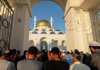Студентам Казахстана рекомендовали отказаться от поста в Рамадан