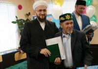 Будущие имамы получили дипломы из рук муфтия РТ