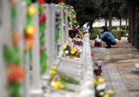 В Китае человека похоронили в машине (ВИДЕО)