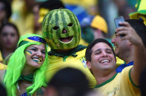 В силу разницы во времени с РФ для телезрителей из Латинской Америки трансляции матчей будут начинаться в дневные часы