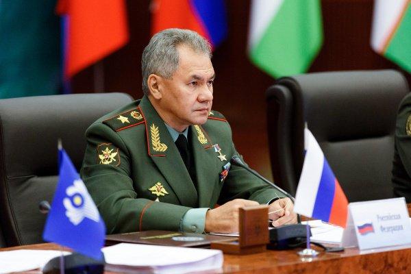 Министр обороны РФ призвал СНГ принять участие в восстановлении Сирии.