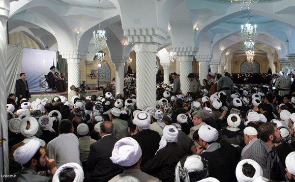 Участие в конференции приняли порядка двух тысяч мусульманских священнослужителей.