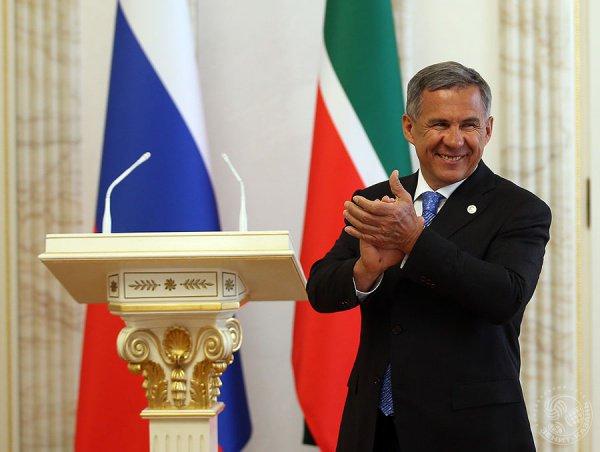 Президент Татарстана поздравил жителей республики с Днем русского языка.