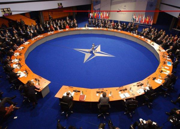 Членами НАТО могут быть только европейские страны.