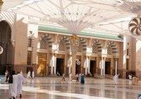 В мечети Пророка обеспечили комфорт верующим, совершающим итикаф (Видео)