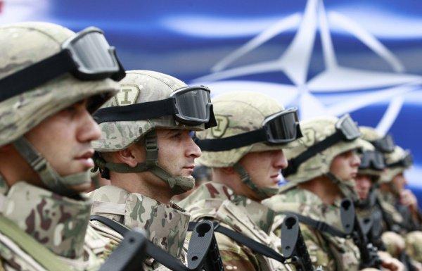 Военные НАТО обучат иракскую армию.