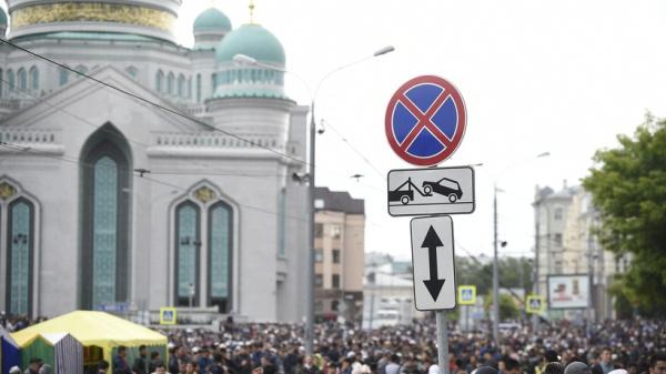 Особое внимание уделено антитеррористической защищенности мест торжеств.