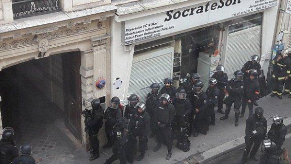 Преступник был задержан в результате штурма здания.