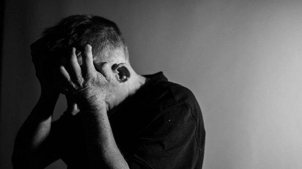Эксперты поясняют, что если их модель верна, то в особо тяжелых случаях депрессии пациенты могут испытывать признаки псевдодеменции