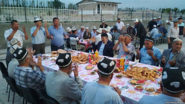 Ифтар в киргизском селе.