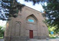 Самую древнюю мечеть отреставрировали в Казахстане
