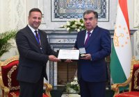 ВОЗ наградила Эмомали Рахмона за заботу о здоровье жителей Таджикистана