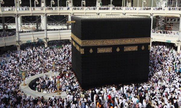 Кто именно из пророков построил Каабу - Адам или Ибрахим?