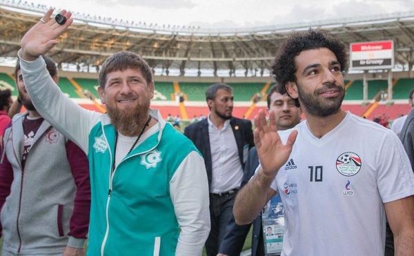 Кадыров и Салах на тренировке сборной Египта в Грозном.