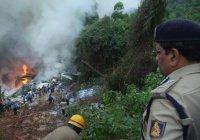 В Индии на дома упал чартерный самолет