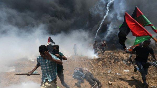 Участие в Великом марше возвращения приняли десятки тысяч палестинцев.