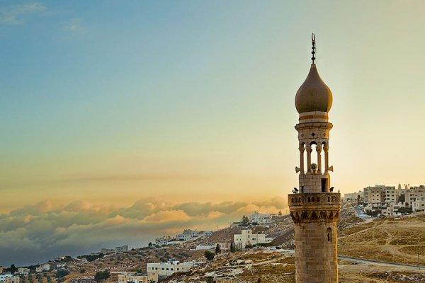 Межконфессиональные отношения по примеру Пророка Мухамада (мир ему): правда и вымысел