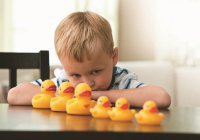 Создан робот, который лечит аутизм у детей