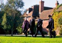 Британские школы отказываются от понятий «мальчик» и «девочка»