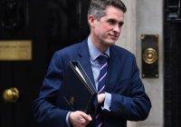 Siri перебила британского министра обороны на слове «Сирия» (Видео)