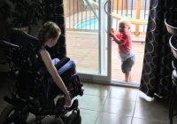 В Канаде девочка с церебральным параличом спасла маленького брата