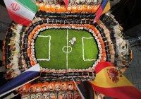 Рекордный стадион из роллов приготовили в Казани
