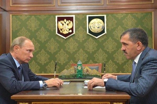 Путин и Евкуров на встрече в Ингушетии в 2015 году