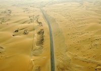В Саудовской Аравии проложили 700 километров дороги через пустыню