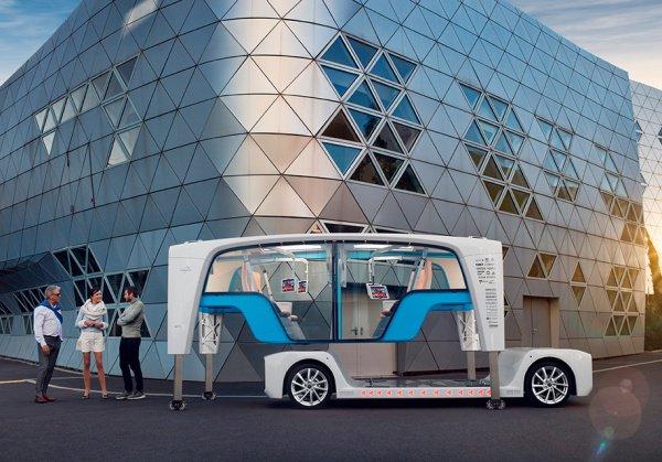 Rinspeed Snap состоит из 2 частей: самоходной платформы, которую в Rinspeed называют «скейтбордом», и оборудованной сверху капсулы, которая способна быть как пассажирской, так и грузовой
