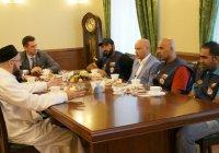 Муфтий Татарстана встретился с путешественниками из Омана