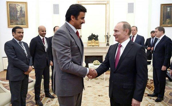 Эмир Катара и президент России на встрече в 2017 году.