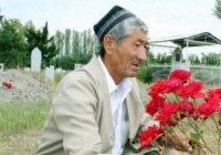 Житель Узбекистана благоустроил кладбище на деньги, скопленные на Хадж