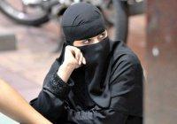 В ОАЭ судят мужа, переодевшегося женщиной, чтобы шпионить за женой