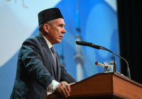 Минниханов призвал богословов помочь сохранить религию, язык и традиции татар