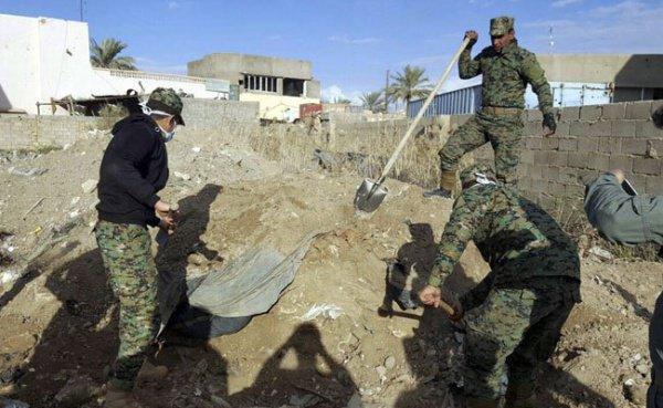 В Сирии продолжают находить массовые захоронения жертв войны.