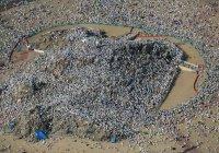 Потрясающее фото: 2 миллиона паломников стоят на горе Арафат