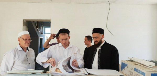 Муфтий в мусульманской школе.