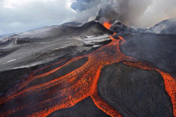 По мнению исследователей, это свидетельствует о том, что внутри Земли растет черная дыра