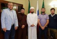 Муфтий Татарстана встретился с Куръан-хафизом из Чечни