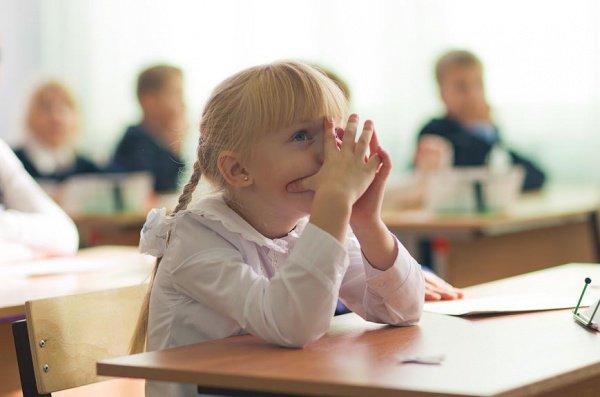 В настоящее время в школах России, по сути, не 5-балльная, а 4-балльная система, поскольку кол ставить не принято