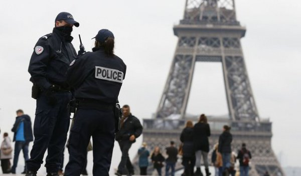 Власти Франции вступились за честь представительниц прекрасного пола.